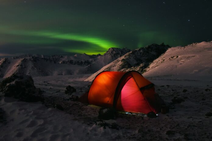 How to keep a tent warm without electricity
